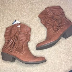 AE Faux Leather Western Tassel Boots Brown 8.5